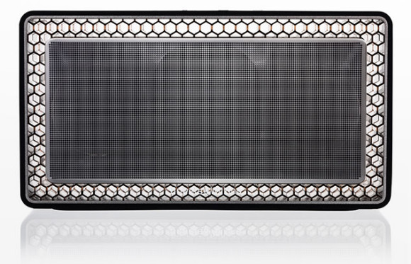 The Bowers and Wilkins T7 portable bluetooth speaker review