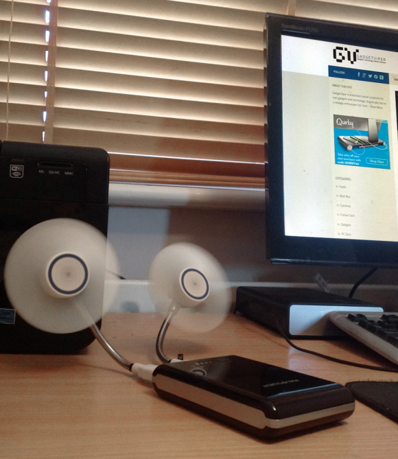 Using a USB fan with a portable charger to make a desktop fan
