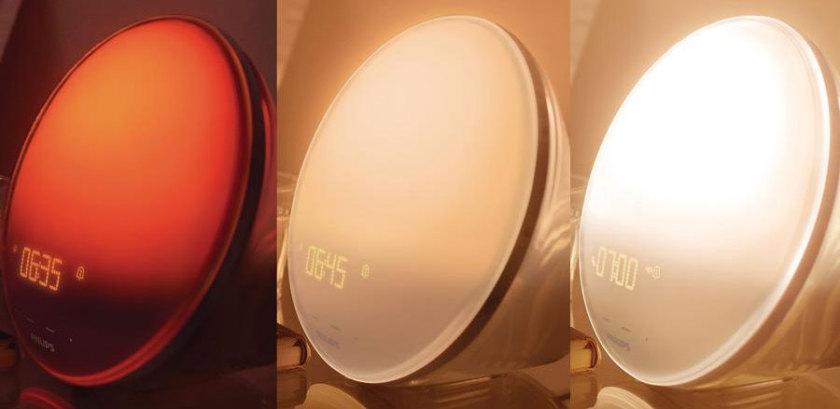Gradual light alarm clock with a sunset and dawn simulator feature