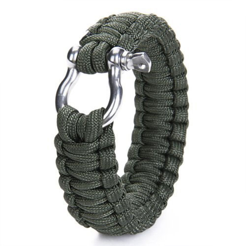 Paracord Survival Bracelet makes the perfect Christmas stocking filler for any adventurer