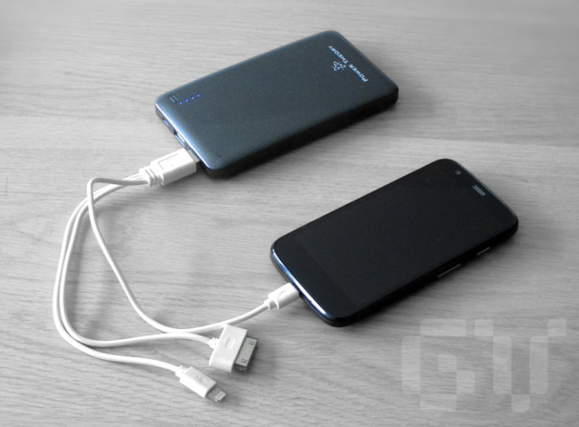 Power Bank 10000mAh by Power Theory connected to a Moto-G