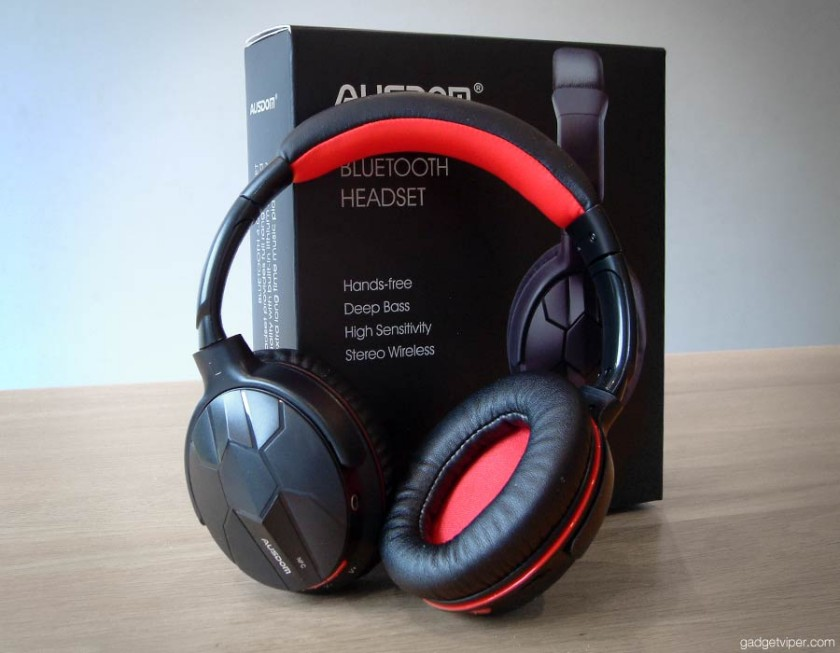 hands on review of the upgraded version of the Ausdom M40 bluetooth headphones - The M04S with NFC and bluetooth 4.0