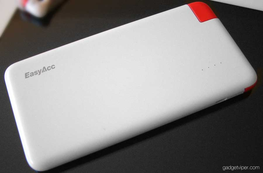 Review of the 4000 mAh Portable Powerbank by EasyAcc