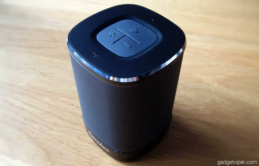 A view of the DP100 portable bluetooth speaker
