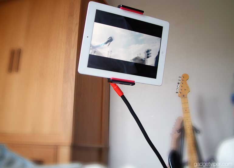 using the EasyAcc Lazy Mount tablet holder in bed