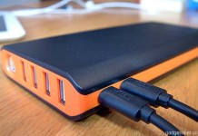 The EasyAcc Monster is a unique high capacity power bank thanks to it's double input ports for twice the recharging speed