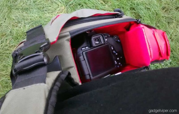 Caden K1 camera bag - DSLR access