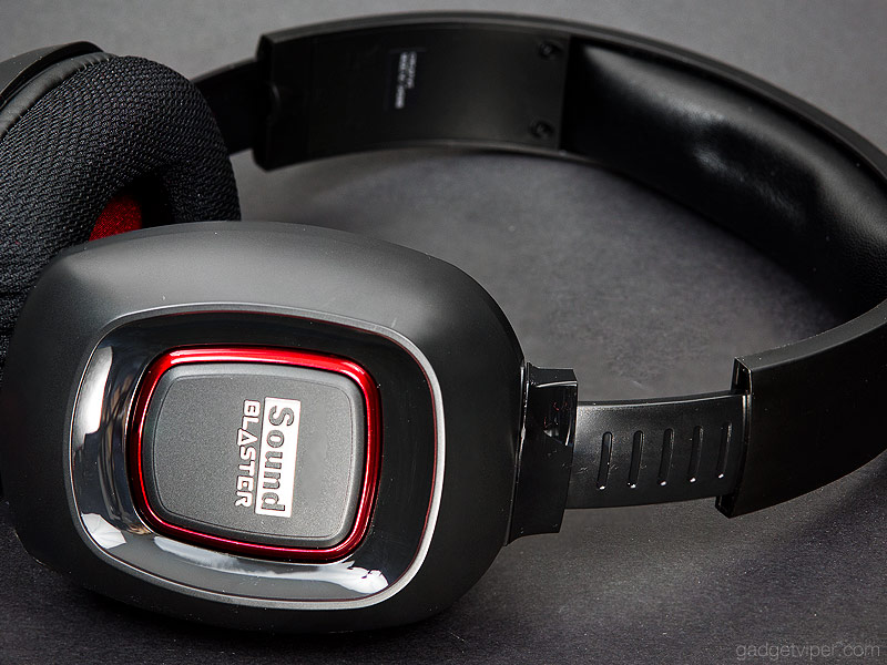 A view of the adjustment on the Creative Sound Blaster Tactic3D Fury headset