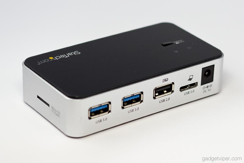 USB fast charging hub and 2 USB 3.0 ports on the rear of the StarTech multi media hub