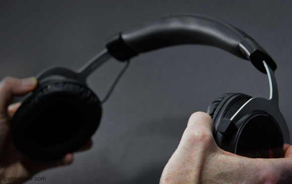 Testing the strength of the Sound BlasterX H5 gaming headset