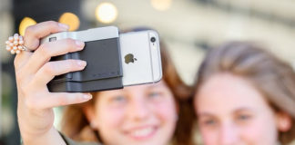 The Pictar iPhone DSLR camera mod