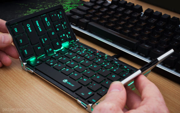 The iClever foldable keyboard with backlit keys