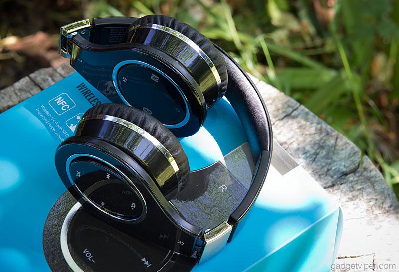Mixcder 872 folding bluetooth headphones featuring swipe controls