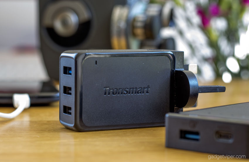 The Tronsmart quick charge 3.0 mains adapter