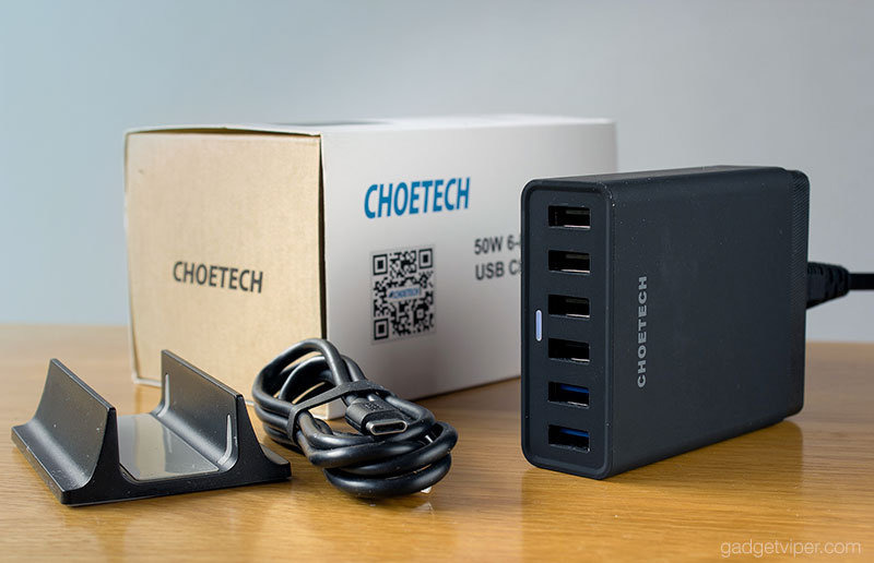 The Choetech 6 port USB charging station unit and accessories