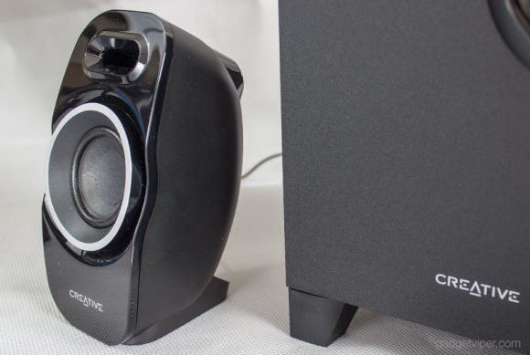 A look at the Satellite speakers on the Creative T3250 Wireless 2.1 speaker system