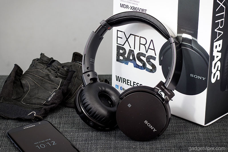 The Sony Exta Bass Bluetooth headphones design and build quality