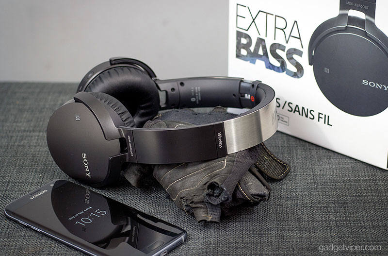 A side view of the SONY MDR-XB650BT Bluetooth headphones
