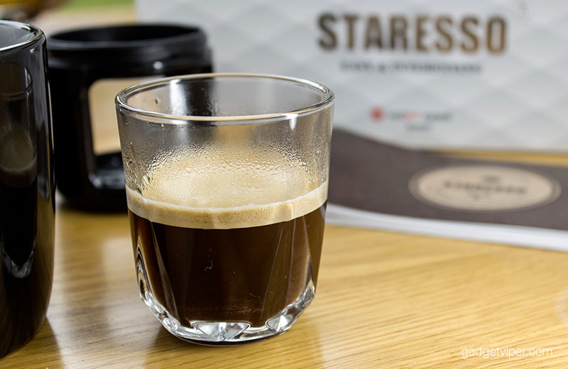 The Espresso manually pumped from the Staresso portable coffee maker