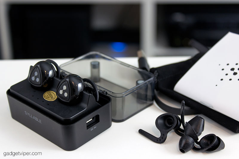 The accessories that come with the Syllable Wireless Bluetooth earbuds