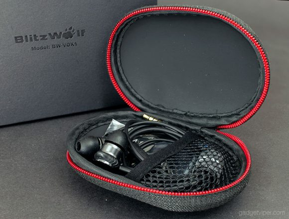 Taking a look inside the BlitzWolf BW-VOX1 earphone case
