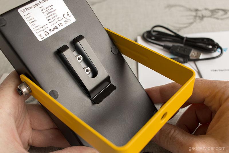 The 15W Loftek portable flood light design and build quality