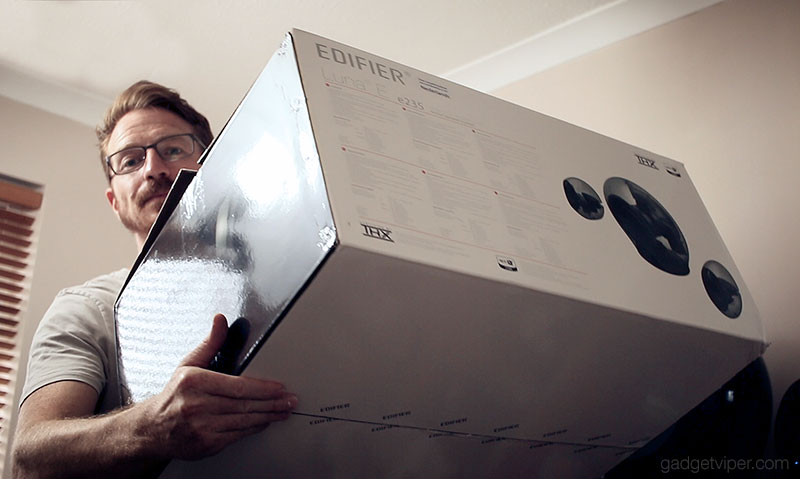 Unboxing the Edifier e235 Luna E speaker system