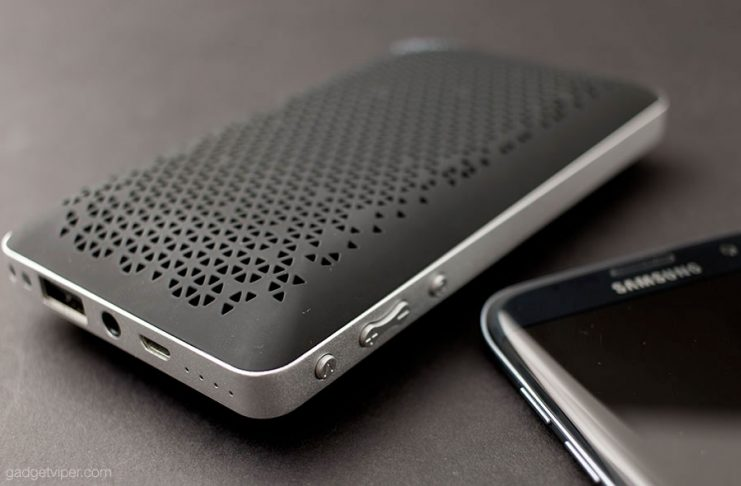 The AUKEY SK-A2 review- a compact pocket size Bluetooth speaker with a built in power bank for charging you smartphone