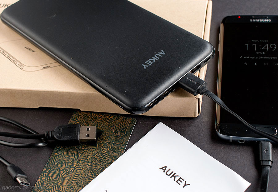 Unboxing the Aukey 20000mAh power bank