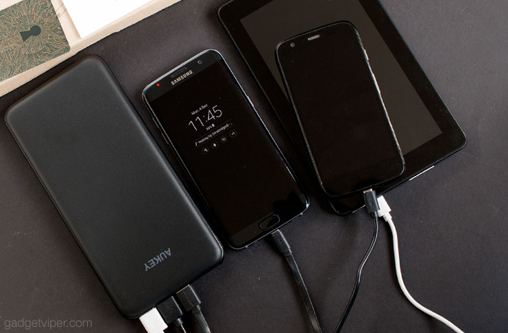 A review of the Aukey PB-Y14 - an ultra Slim high capacity 20000mAh power bank with Type-C output