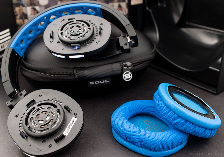 The removable headphone pads on the Soul X-Tra Bluetooth headphones