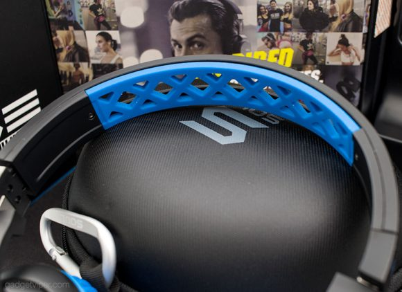 The breathable headphone band on the Soul X-TRA running headphones