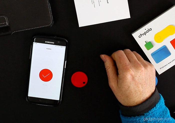 Pairing the Chipolo Bluetooth key finder and phone tracker