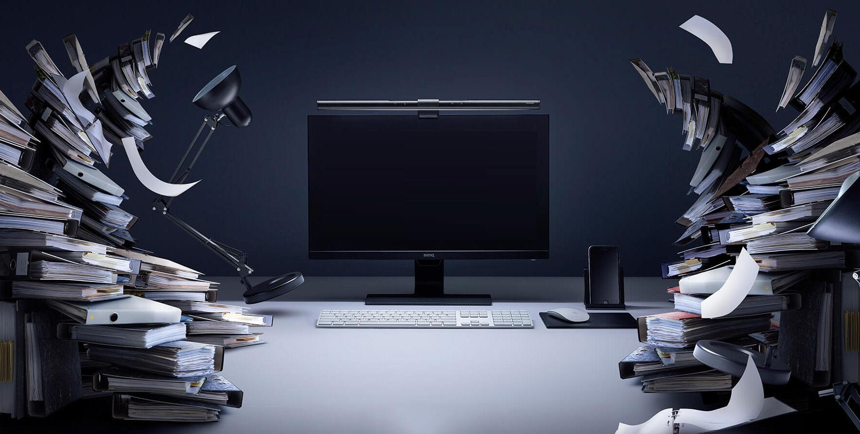BenQ ScreenBar e-Reading LED Task Lamp Review - Declutter your Desk