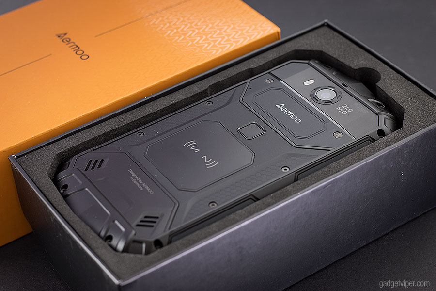 Unboxing the Aermoo M1 Smartphone