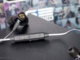 The manual controls on the Soul Electronics Run Free Pro HD Sports earphones