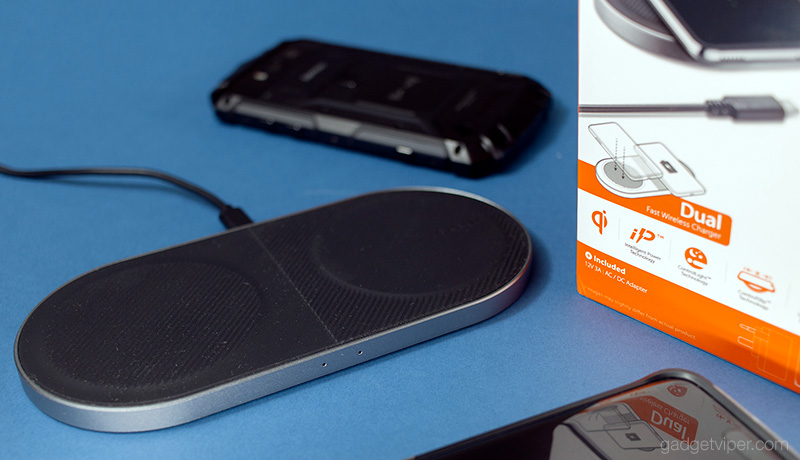 Unboxing the Spigen Essential Dual Fast Wireless Charging pad